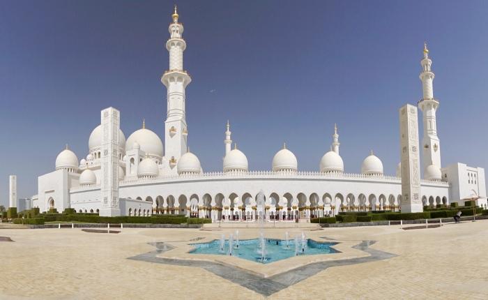 Tag 8 – Abu Dhabi: Schönheit inWeiß