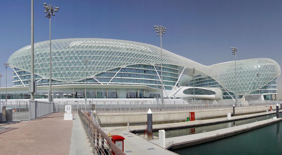 Tag 10 - Abu Dhabi: Zu Besuch beim Vizekönig
